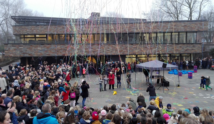 opening basisschool het Volle leven door Erica Terpstra ontwerp HVE Architecten